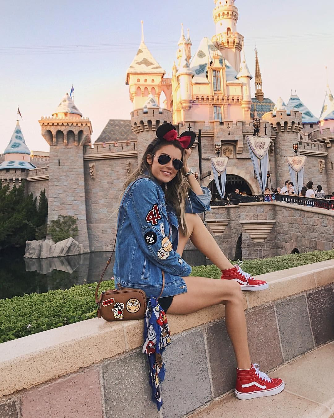 Disneyland  Disney poses, Cute disney pictures, Disneyland