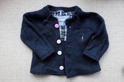 Fuchsgestreift: Baby-Strickjacke aus Wollpulli
