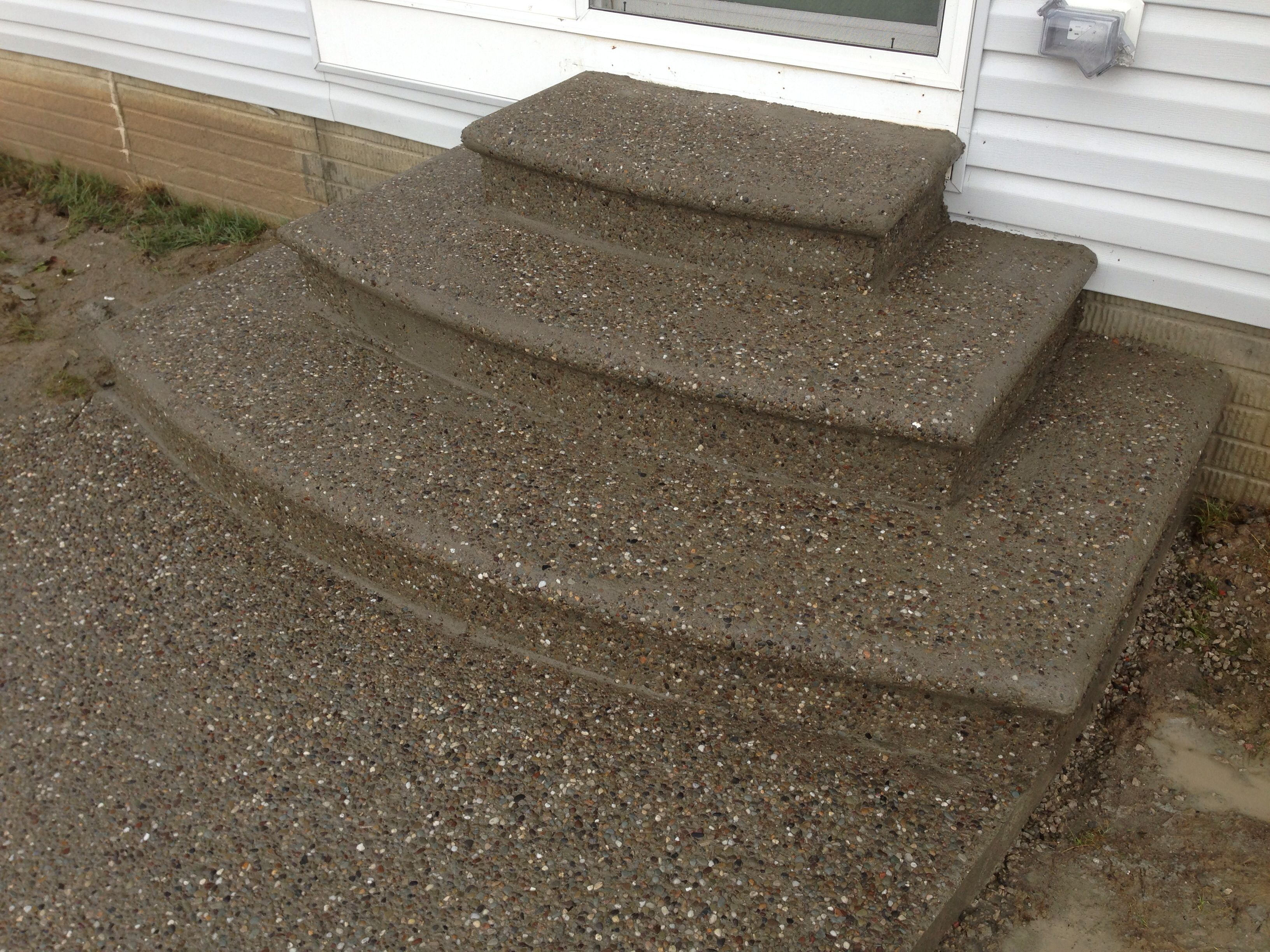 Exposed Aggregate Decorative Concrete Steps With Bull Nose