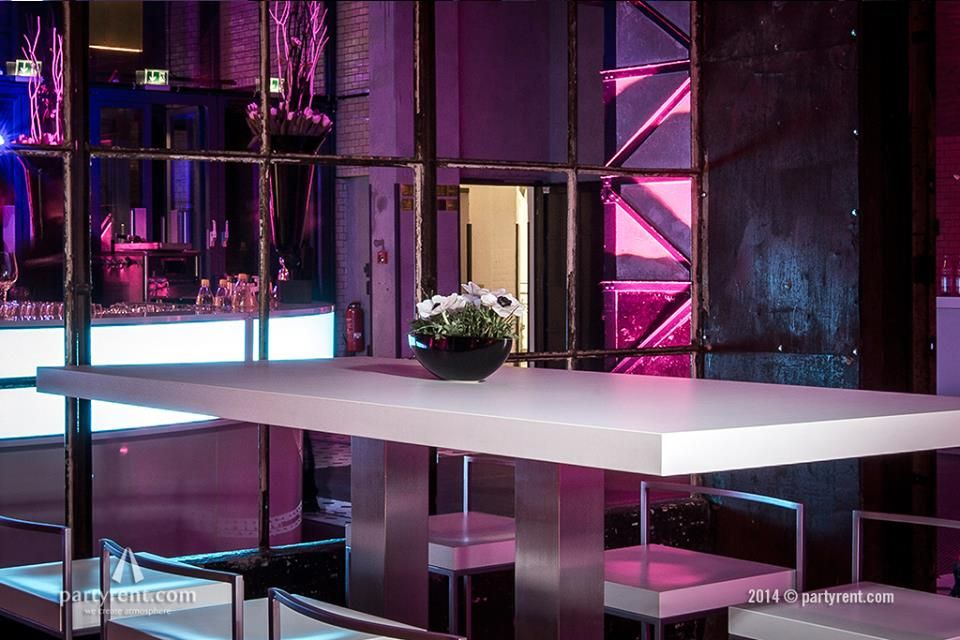 Bar met LED Verlichting | Bar with LED lighting | #industrial #event ...