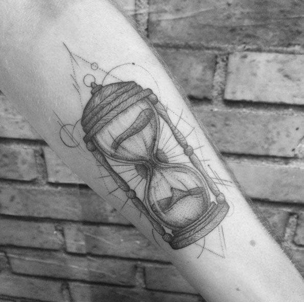 50 Amazing Hourglass Tattoos And Meanings Tatuaje Reloj De Arena