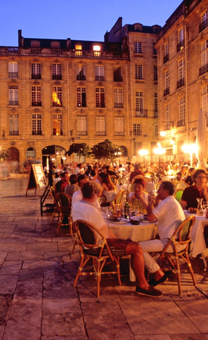 Place Du Parlement Bordeaux With 2000 Years Of Wine Making Experience Bordeaux Is The Wine Producing Ca Voyage En France Bassin D Arcachon Charente Maritime