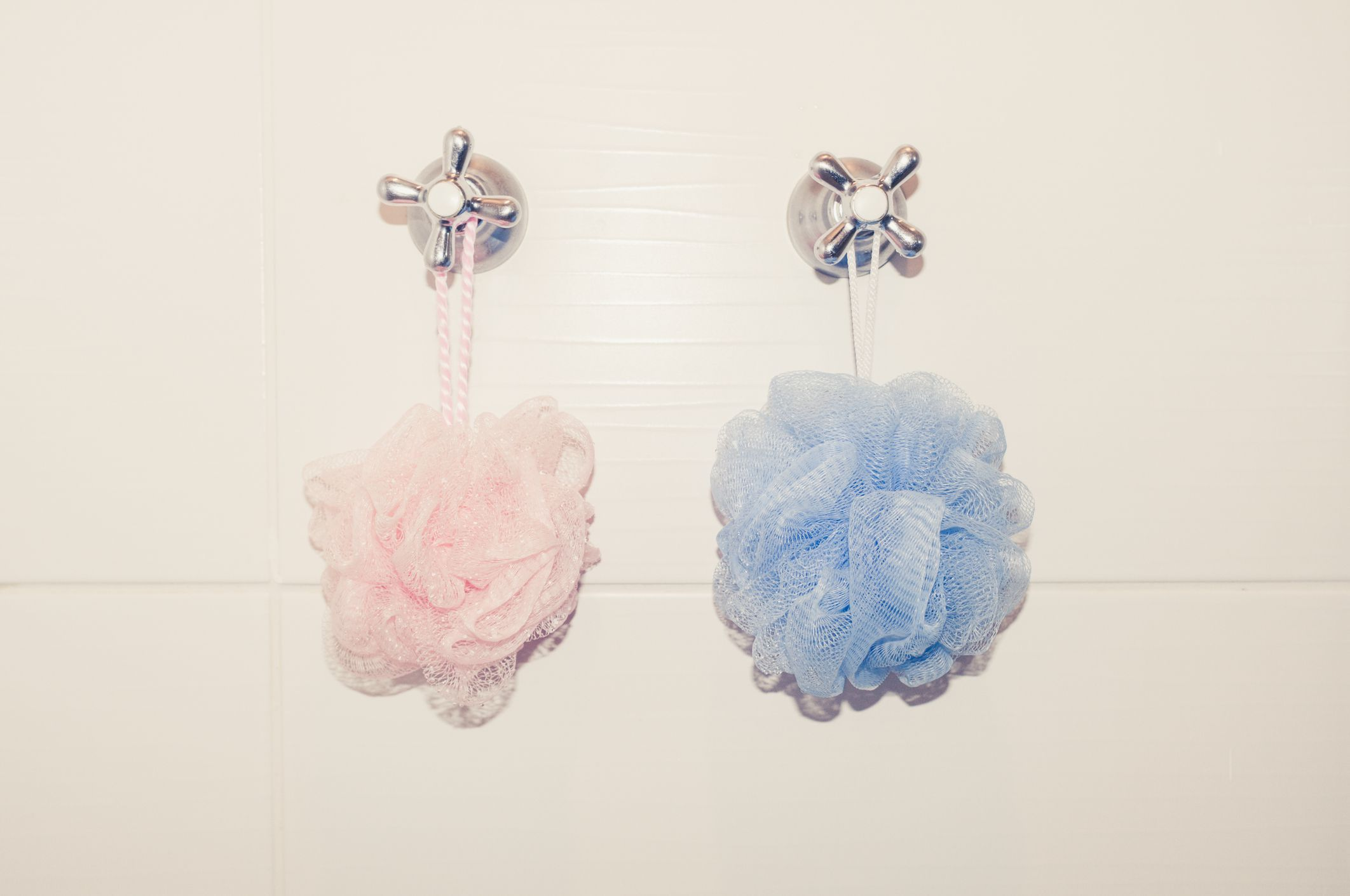 These Are The 12 Best Loofahs Money Can Buy Shower Routine Body