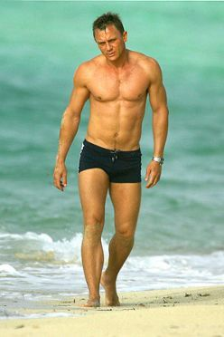 James bond sexy