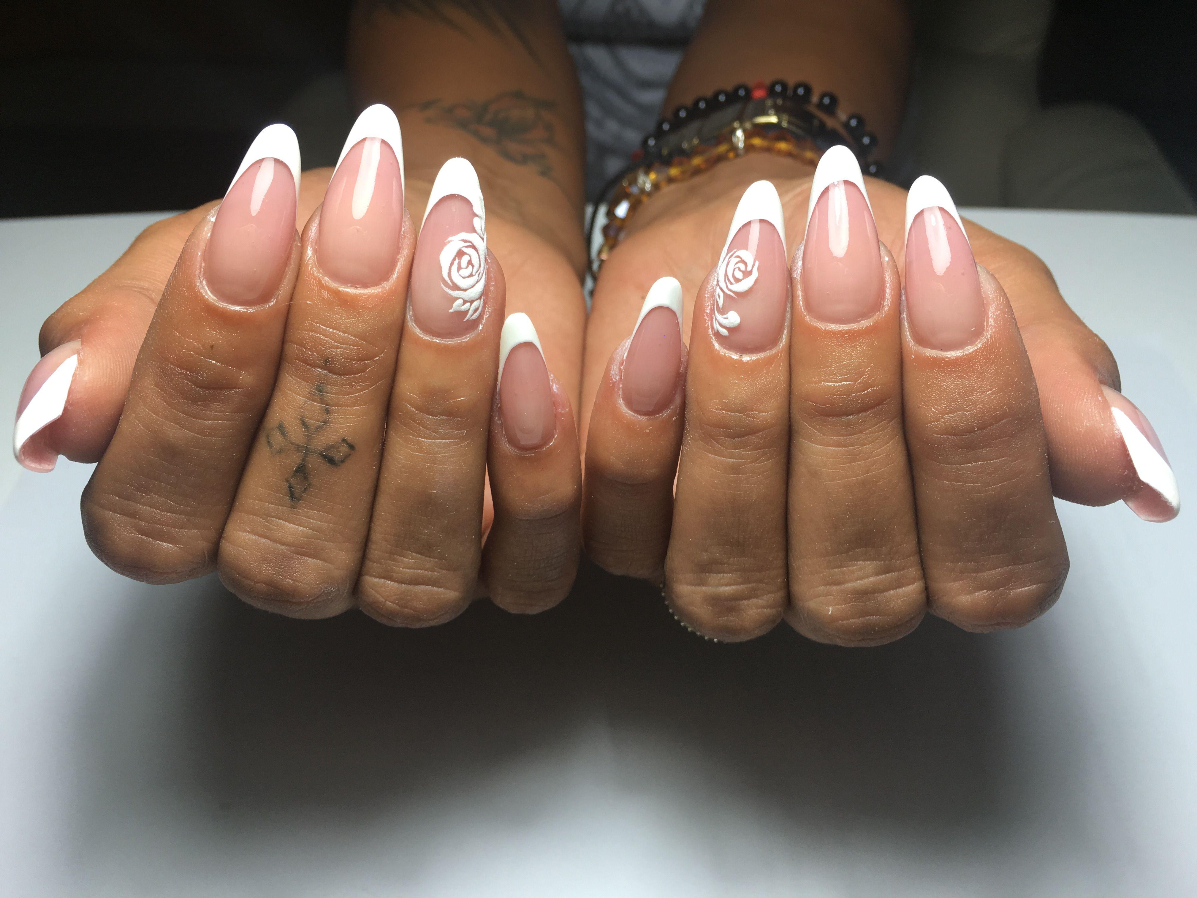 French Alb Migdala Rusească Model Trandafir White Nail Designs Nails White Nails