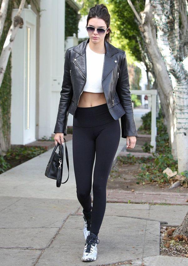 Resultado de imagem para a moda das leggings esta de volta street style