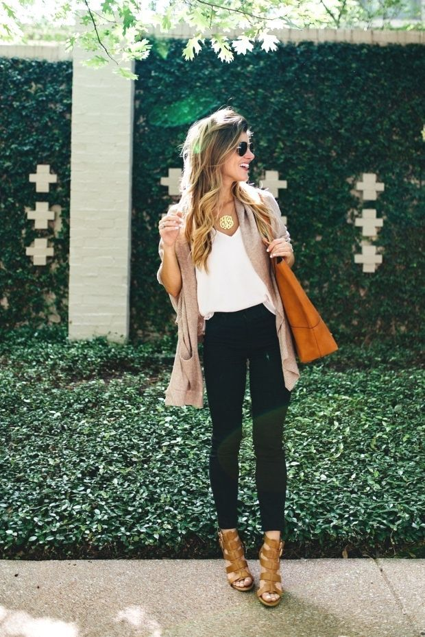Black jeans outfit to transition from summer to fall: Black jeans outfit after …