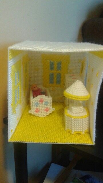 Nursery room for my dollhouse, two more rooms to go