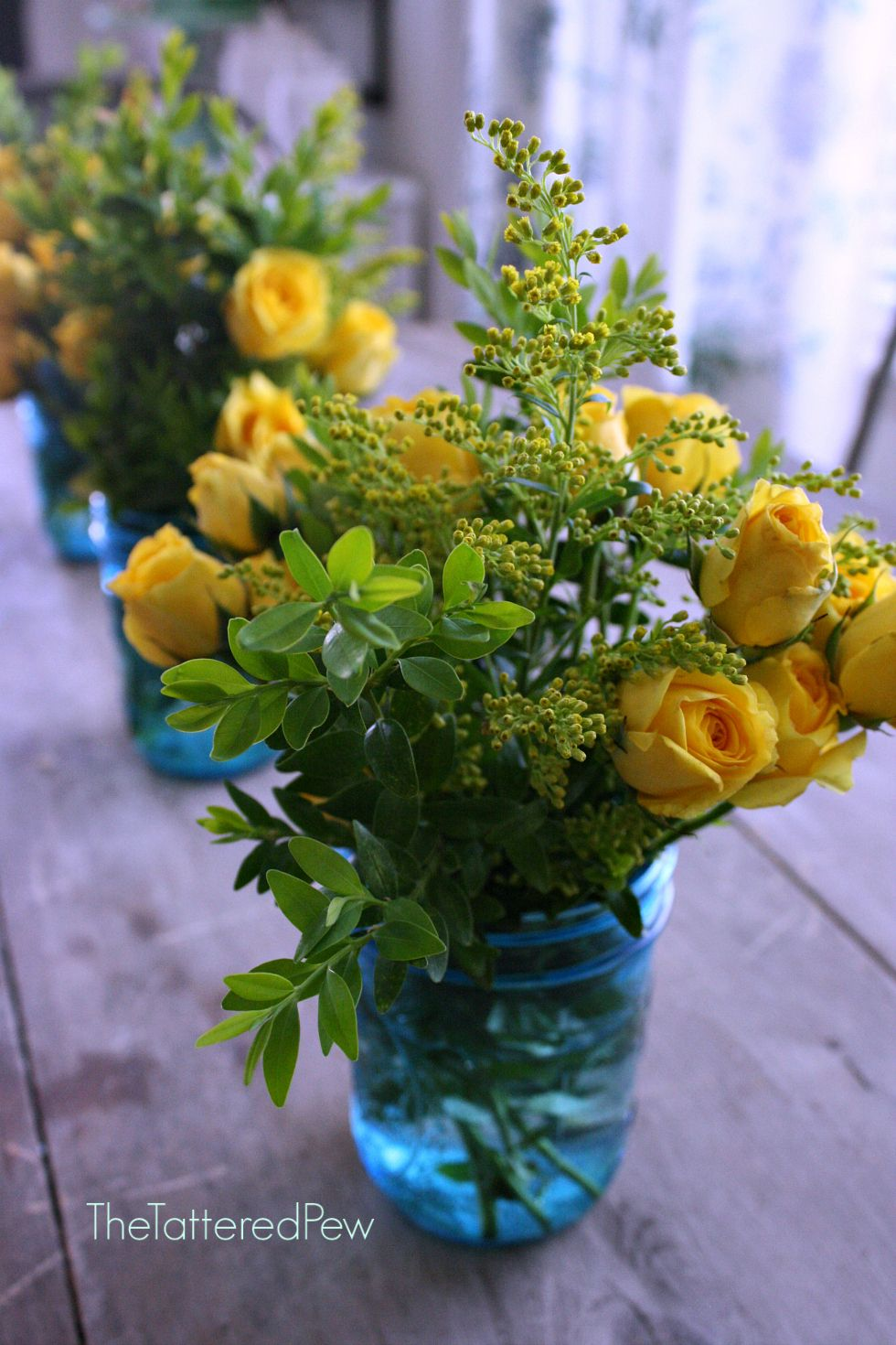 5 Simple Flower Centerpieces For Mothers Day Flowers Pinterest