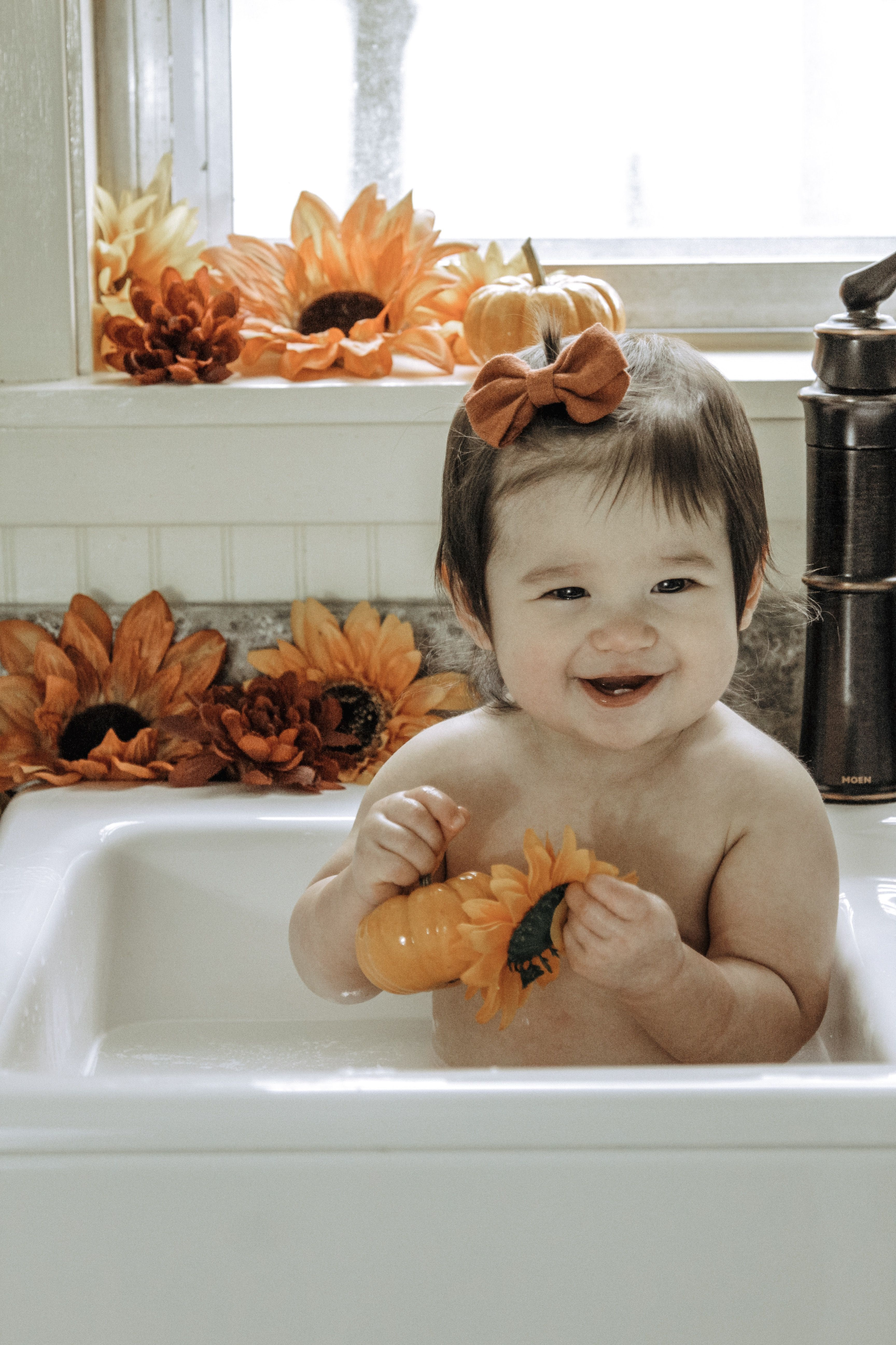 Fall Milk Bath #fallmilkbathbaby Fall and Pumpkin Farm Sink Milk Bath #fallmilkbath