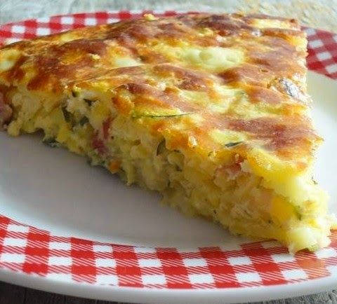 Sastojci: 5 kom srednje velikih krompira 2 kom manjih tikvica 1 manji luk 3 kašike maslinovog ulja 80g fine slaninice ili drugog suhomesn...