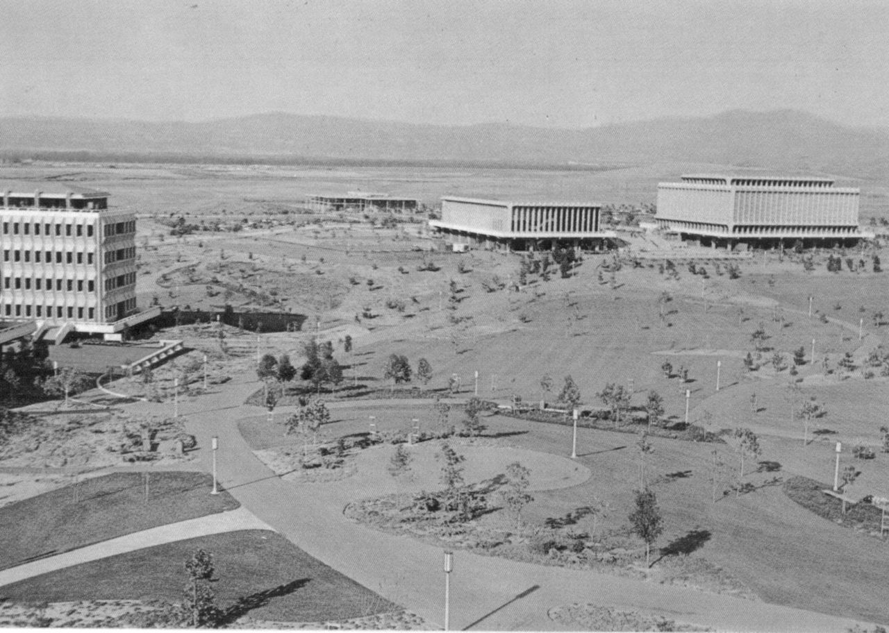 The University Of California At Irvine Opened In 1965 And Marked The Genesis Of Development On The Irvine R San Luis Obispo County Uc Irvine Campus Ca History