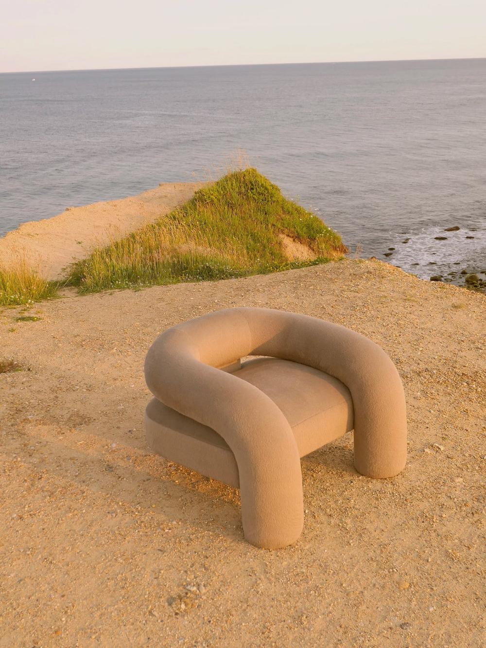 Kosa Chair Designed by Ian Felton – Design. / Visual.