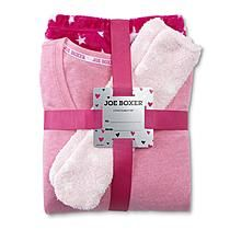 bf138e9a15 You ll be so cozy and cuddled up in this juniors   strong fleece robe from Joe  Boxer  strong