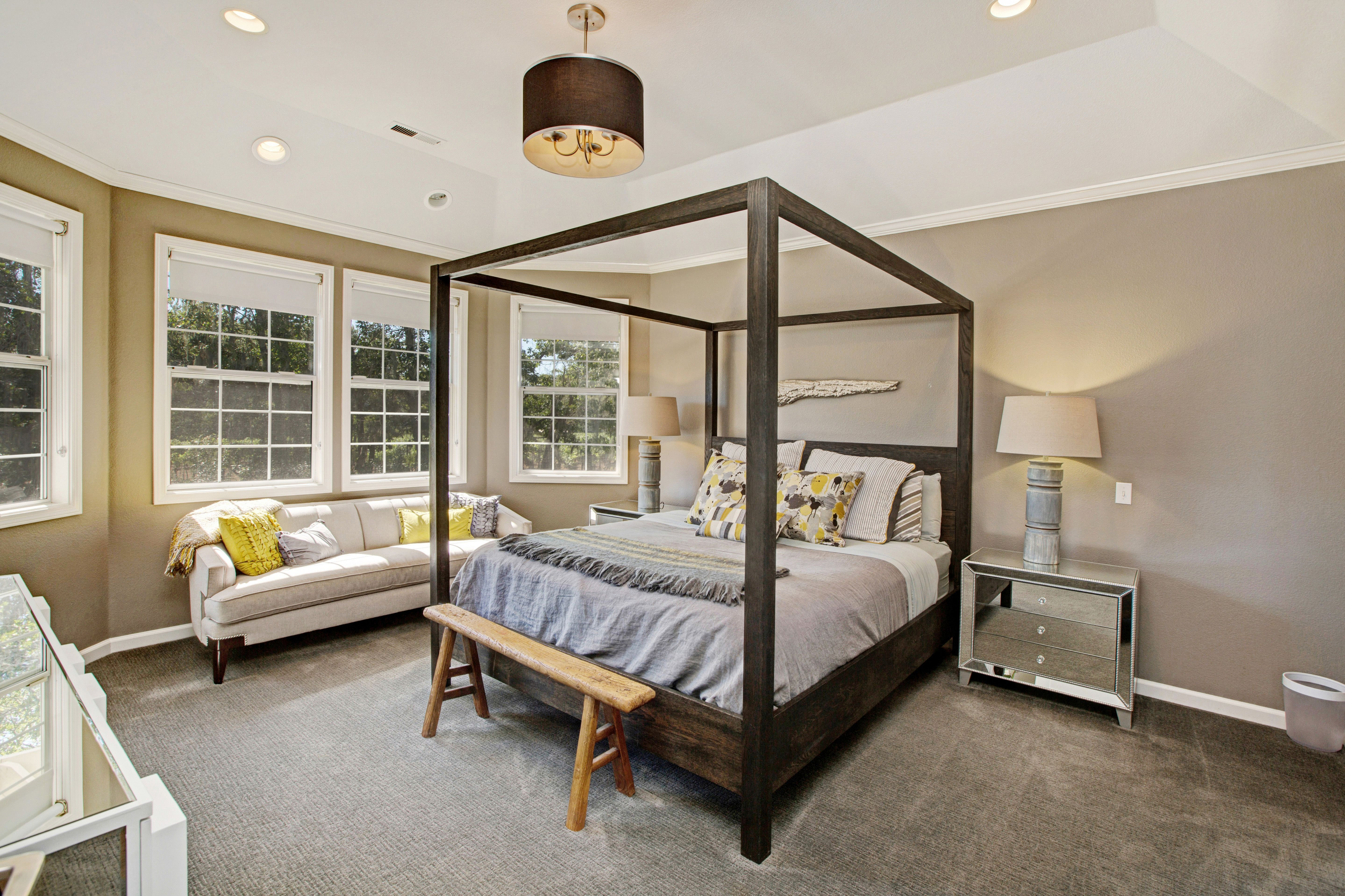 Best Master Bedroom With Canopy King Bed In A Modern Farm House 640 x 480