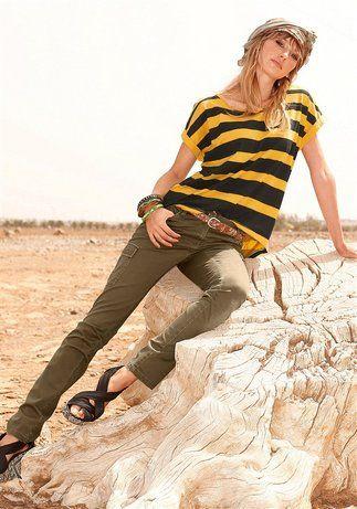 Trendige #Roehre im #Cargo-Style Knackige Form formt toll die Beine Die seitlichen Pattentaschen sind mit goldenen #Nieten verziert