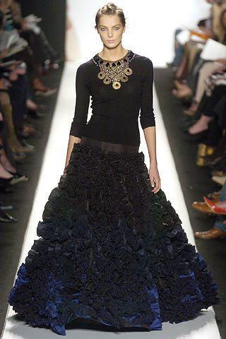 Oscar de la Renta Fall 2005 Ready-to-Wear Collection Photos - Vogue