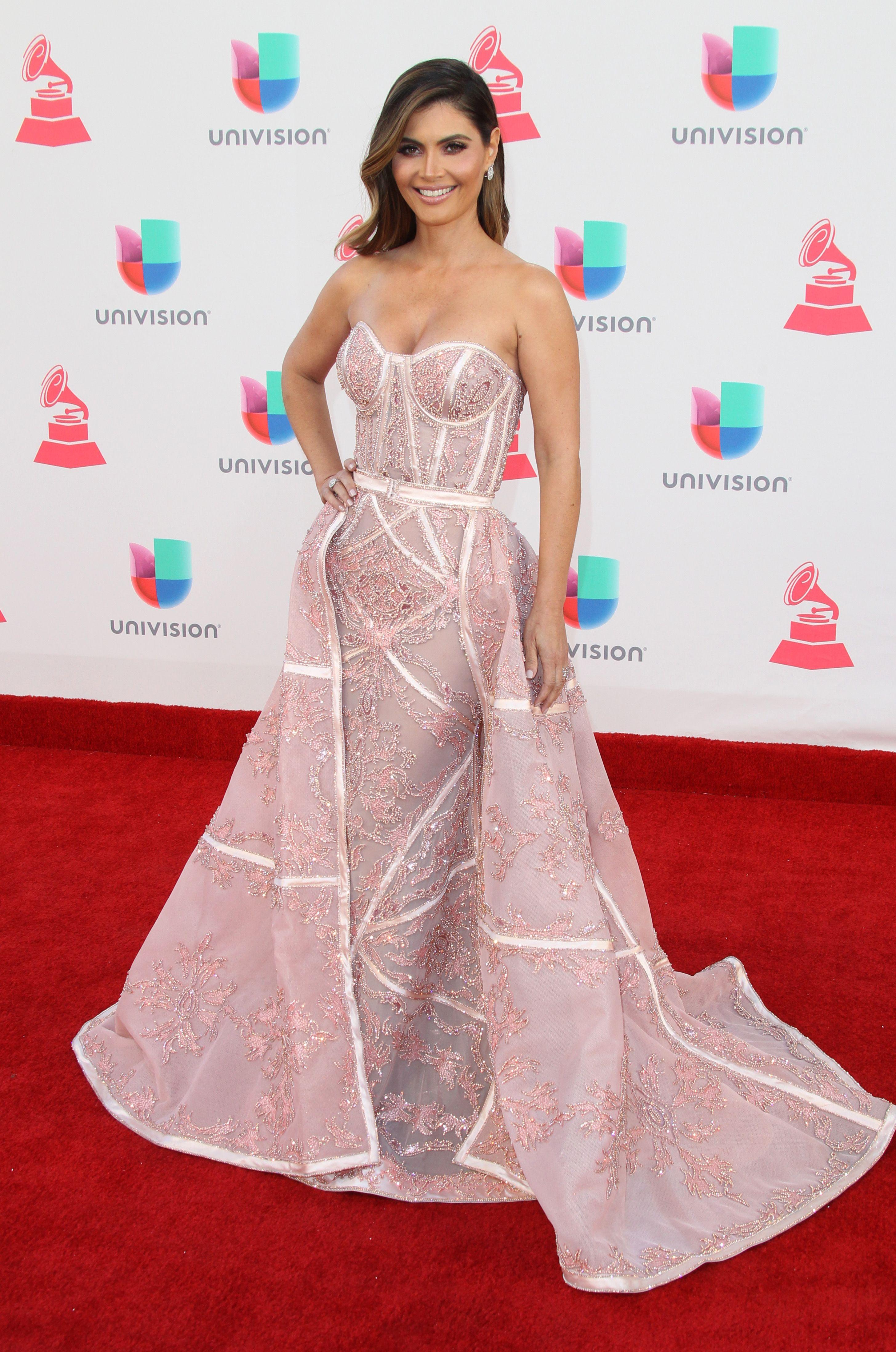 Lujoso Vestidos De Dama Vegas Friso - Colección de Vestidos de Boda ...