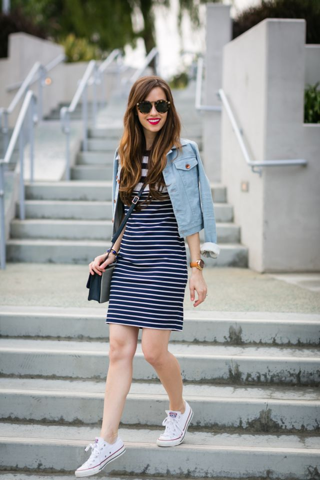 55d4ee71372 Casual outfit with striped dress