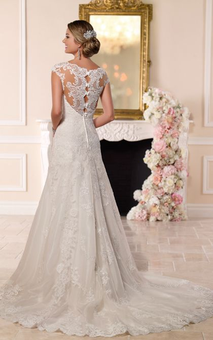 Stunning Stella York lace gown 6219 will take your grooms breath away.....amazing!