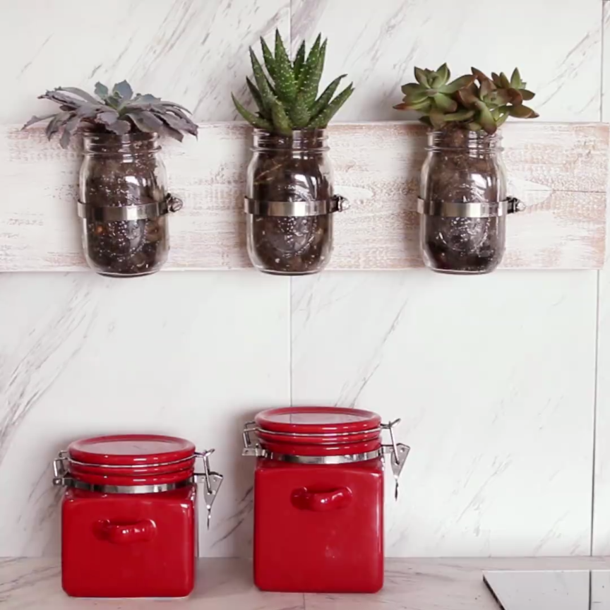 Kitchen Decor Jars: Upgrade Your Wall Space With These Adorable Mason Jar