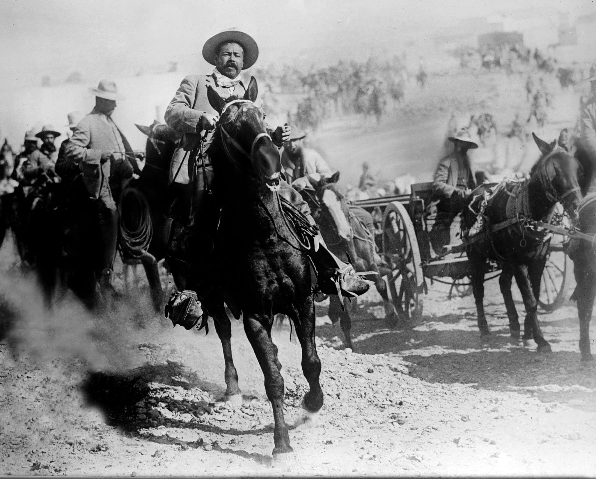 Poncho Villa 1914 International Museum Of The Horse Imagenes De Revolucion Mexicana Revolucion De Mexico Historia De Mexico