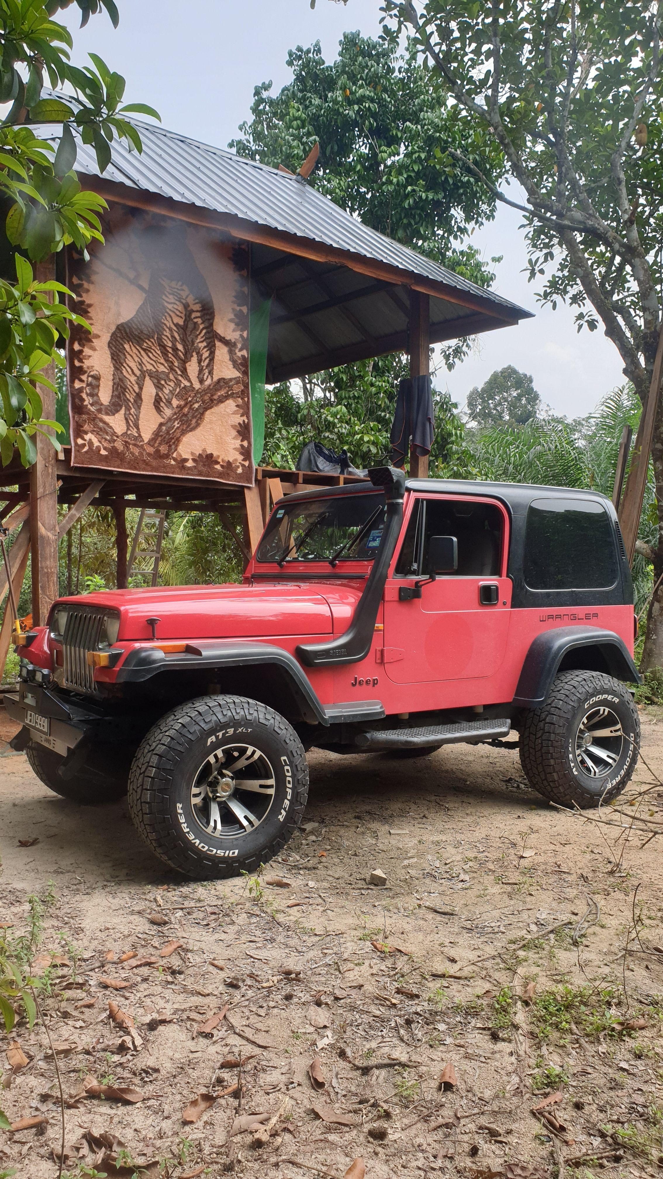 Jeep YJ 2.5l Jeep yj, Jeep, Monster trucks