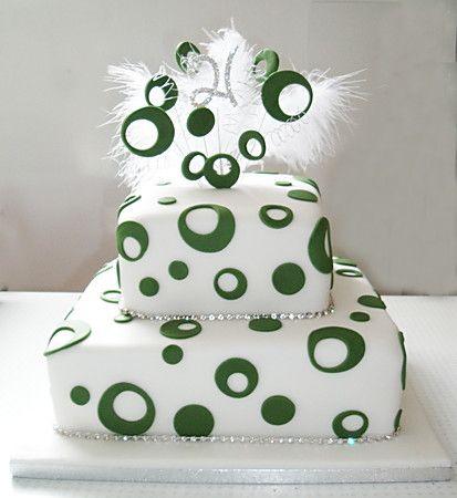 Google Image Result for http://www.sugarcraftemporium.com/system/files/250/2-tier-21st-birthday-cake_lightbox.jpg%3F1297613770