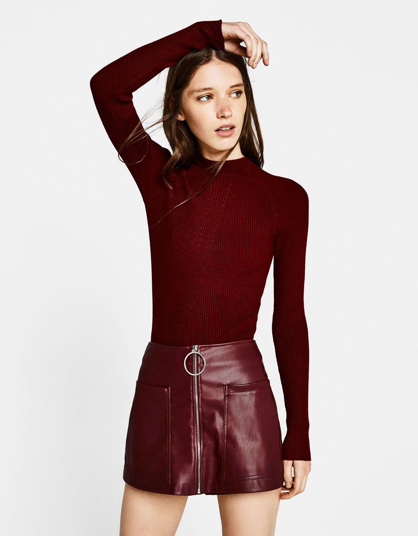 Falda pantalón efecto piel. Descubre ésta y muchas otras prendas en Bershka  con nuevos productos cada semana 6c863aabc300