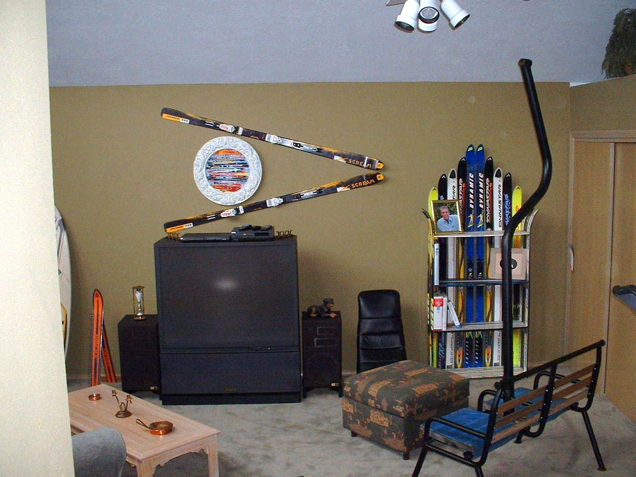Boys, boy rooms and bookshelves on pinterest