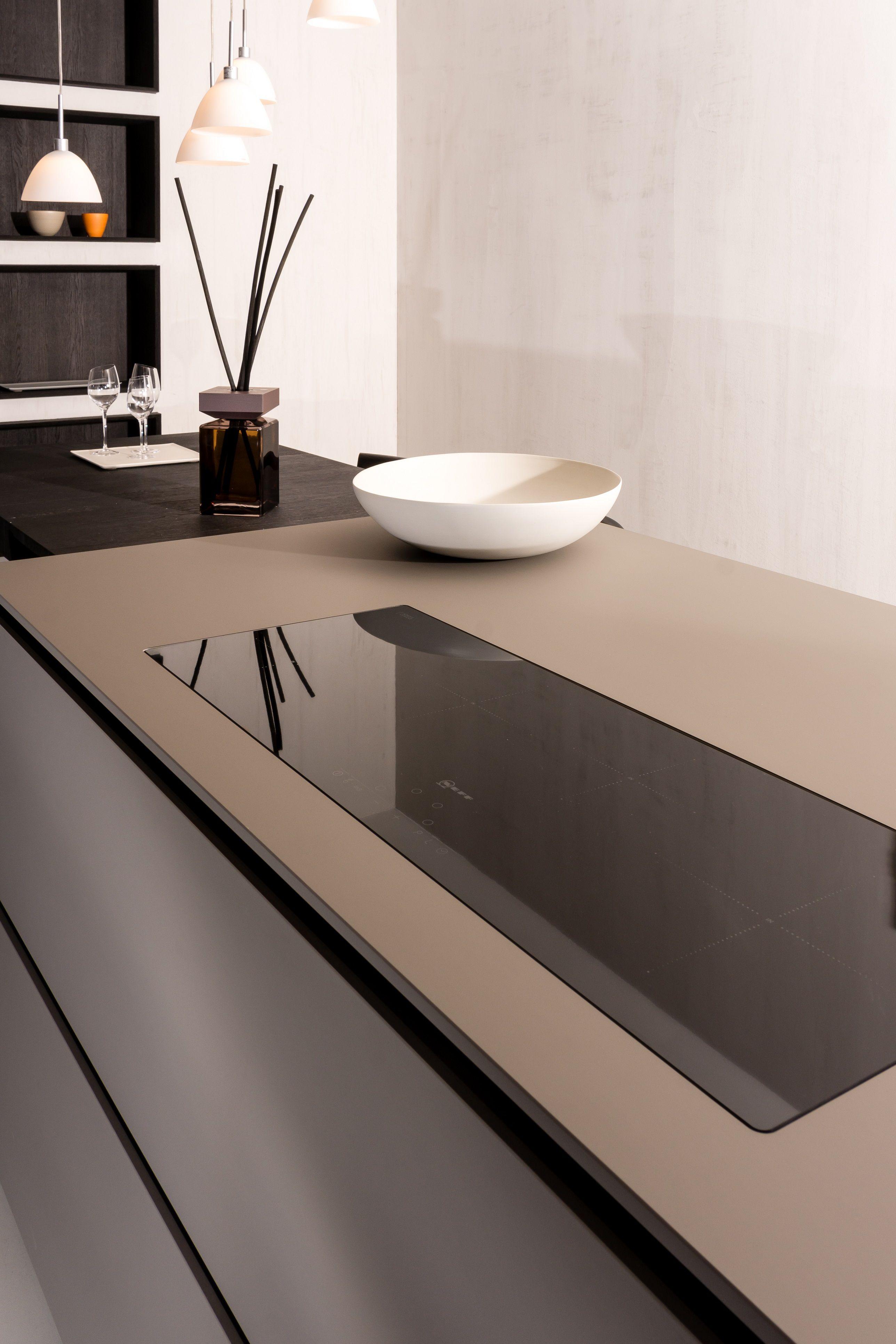 The Super Matte Surface Of Fenix Ntm Is Durable And Looks Great In Any Modern Kitchen Design Keuken Design Keukens Keuken Inspiratie