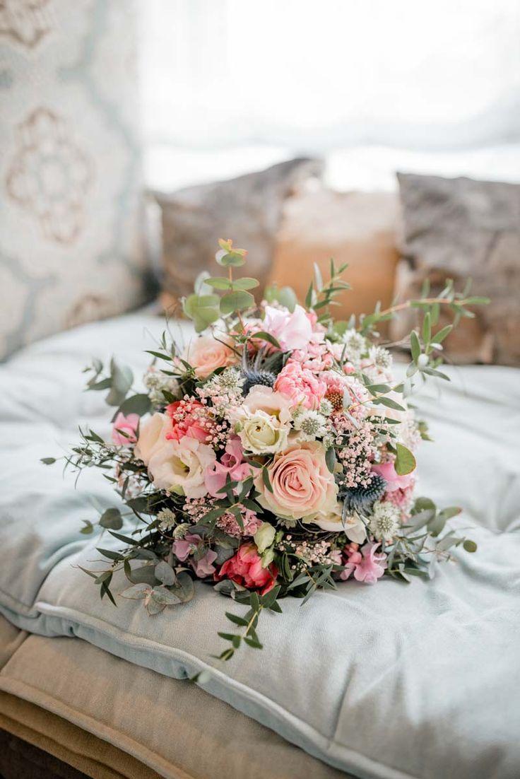 Brautstrauß mit Eukalyptus - Ruth Fer. #bridalflowerbouquets