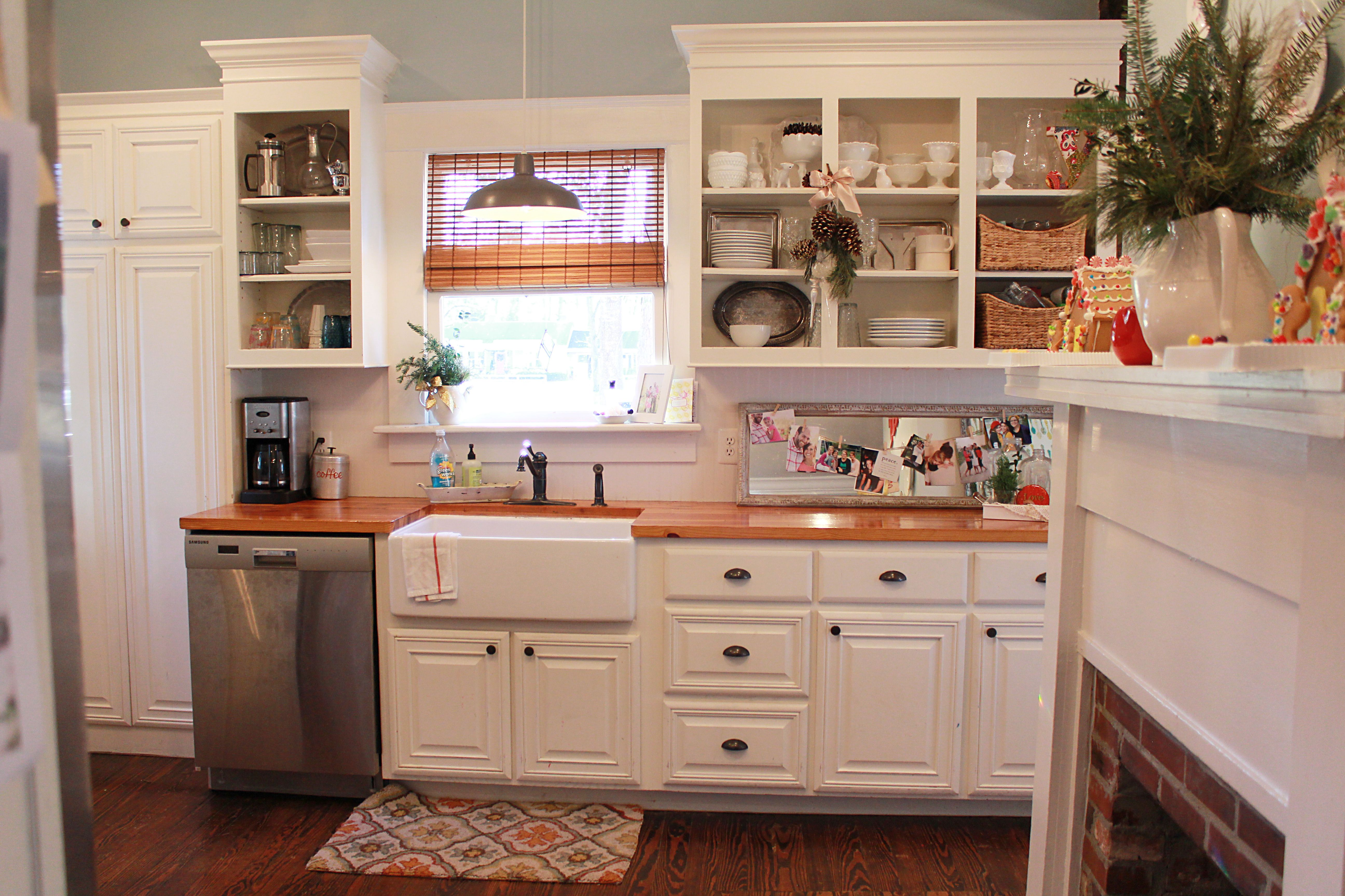 A City Cottage Christmas Tour Christmas Kitchen Decor Cozy Kitchen Kitchen Dining Room