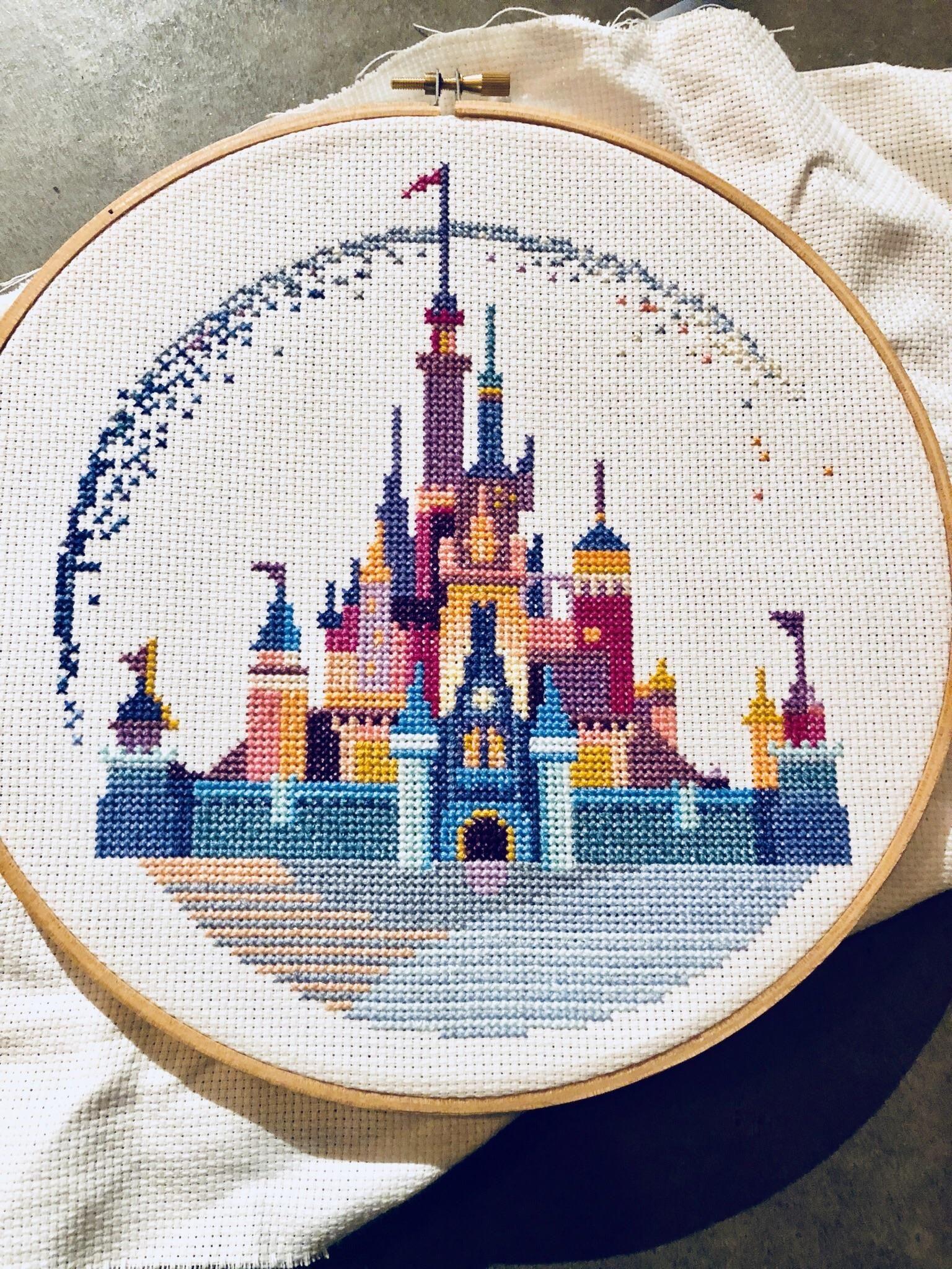 Disneyland cross stitch. | Cross stitch | Pinterest | Stickvorlagen ...
