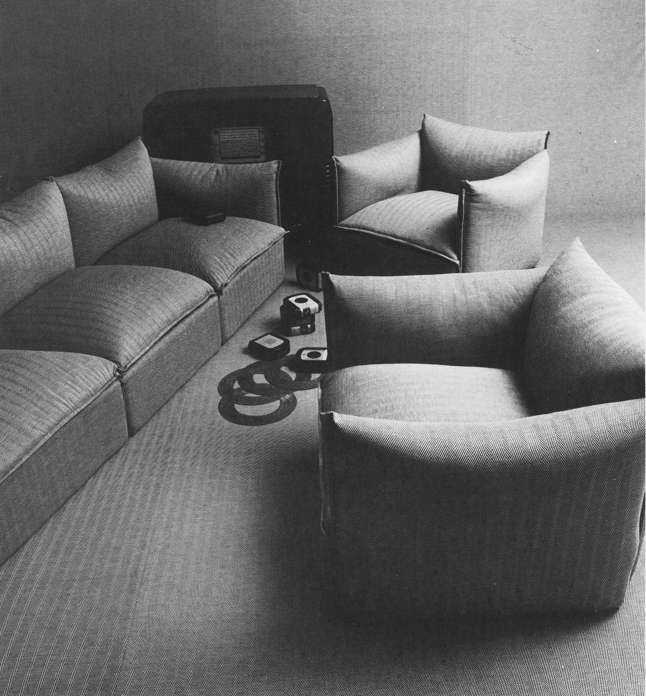 """Black and white"""" Sofa for First Cant¹ designed Angelo Cortesi"""