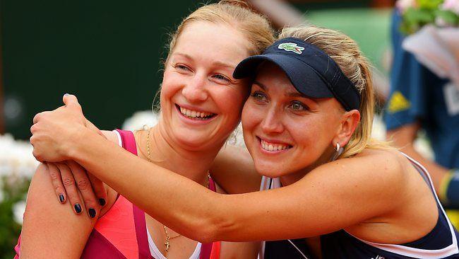 10/28/16 Our Elite Eight ·   Doubles SFs Set in Singapore:  Caro / Kiki v Bethanie  / Lucie &  Kate / Elena v Martina / Sania  ..pic via Wta Tennis News/ABMS