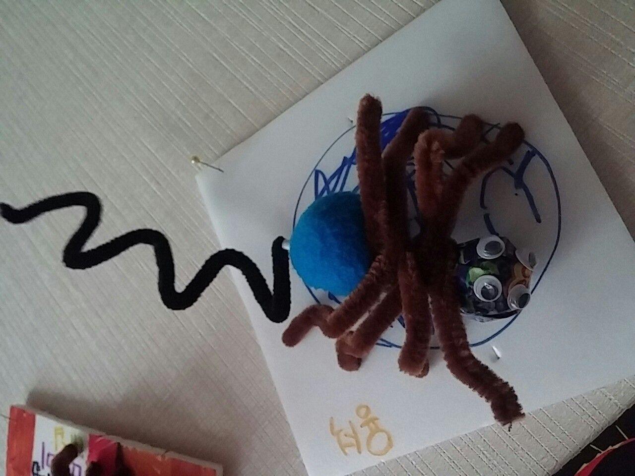 거미캔디 모루. 사탕하나, 큰 뿅뿅이 한개,  사각보드롱