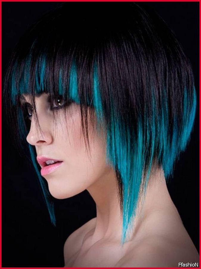 Kurze haare mit blauen strahnen