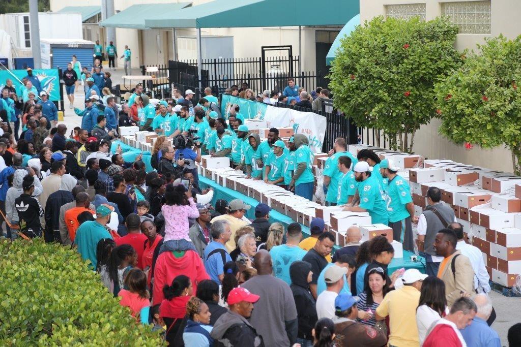 Feeding south florida sort room volunteers needed we