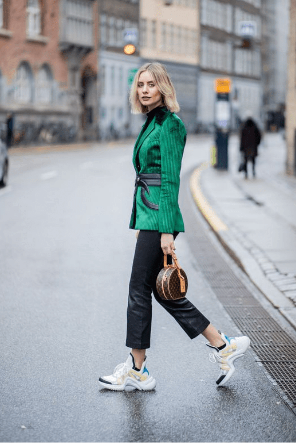 Sneakers fashion outfits, Skirt and