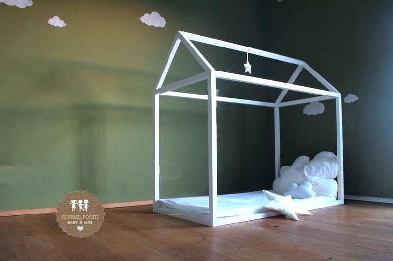 himmelbett aus holz wooden canopy bed via kinderzimmer. Black Bedroom Furniture Sets. Home Design Ideas