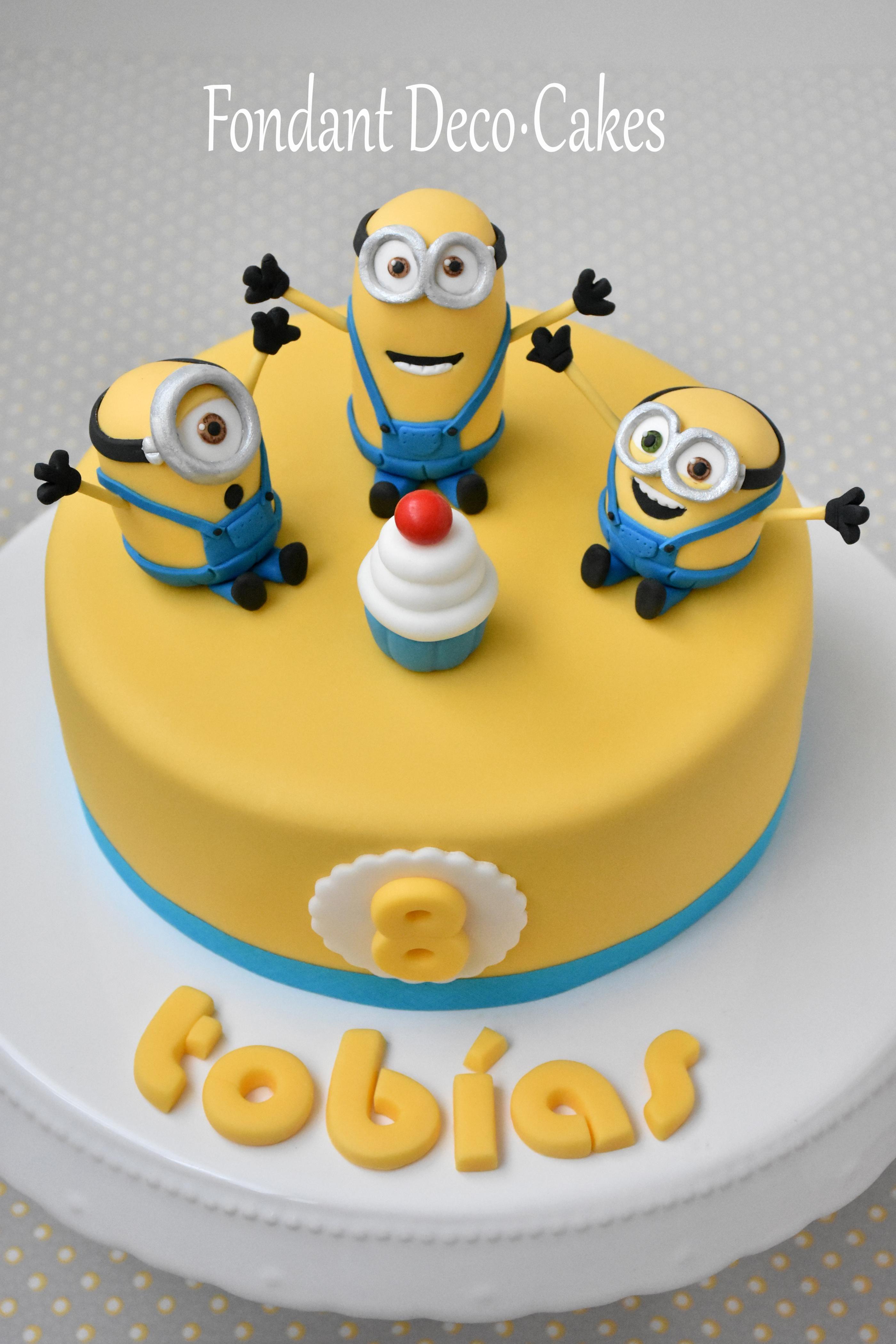 Fondant: Minions Torte / Torta Minions | Fondant: Minions ...
