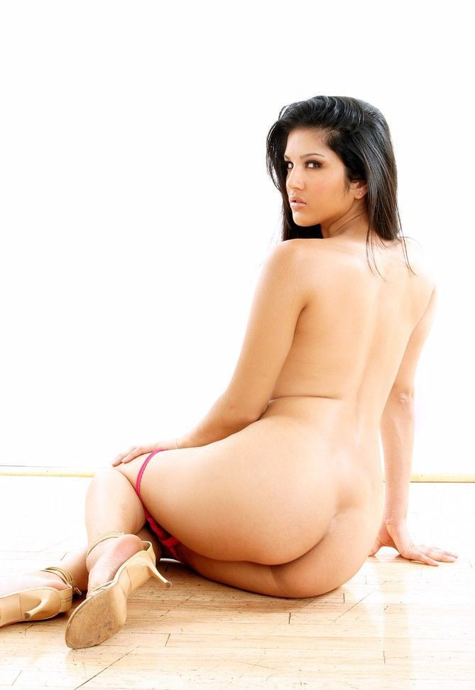 Sunnyleone ass hot sexy images