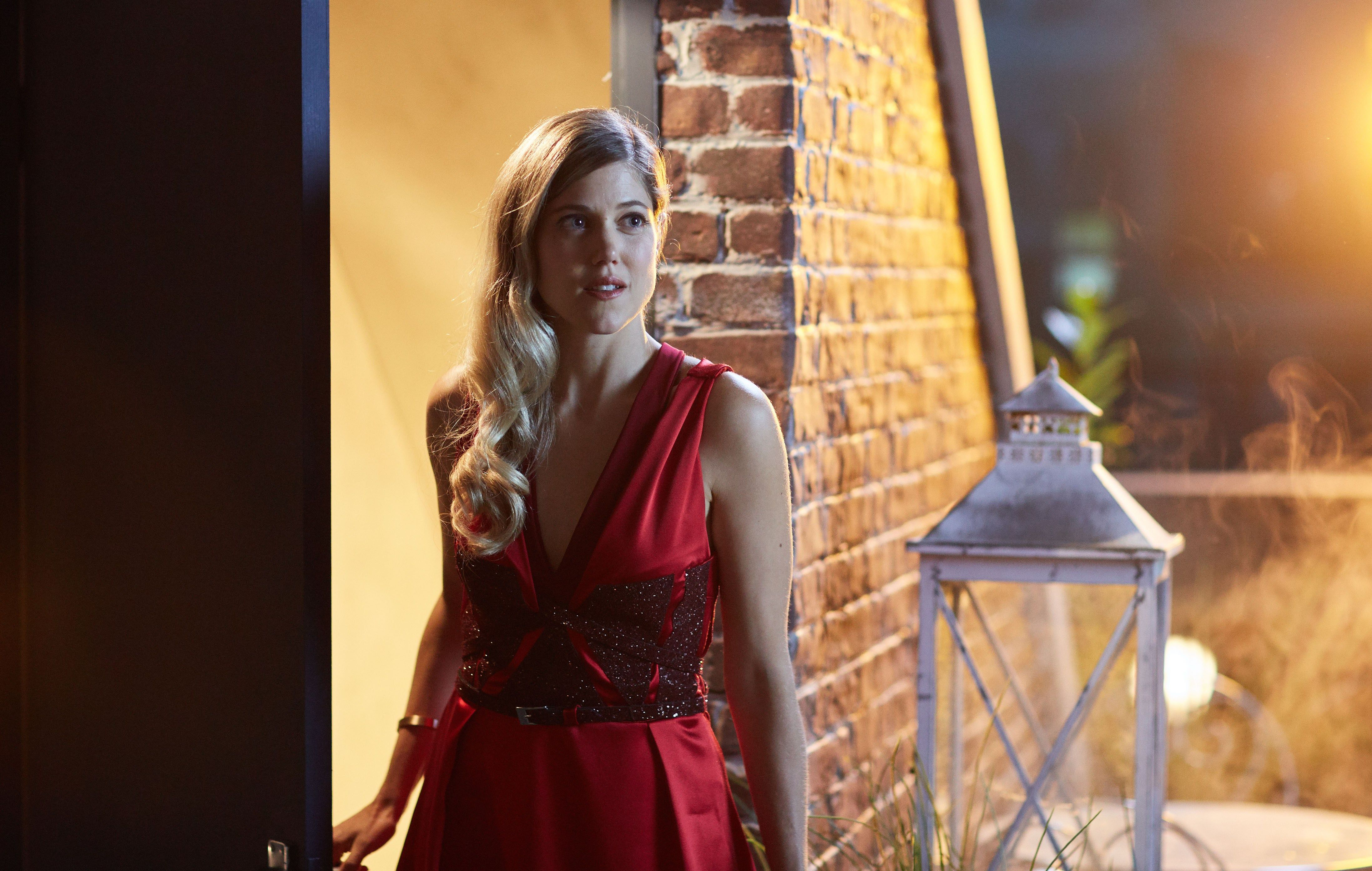 Doctor Who Xmas Special 2016 – Charity Wakefield as Lucy - –BBC ...