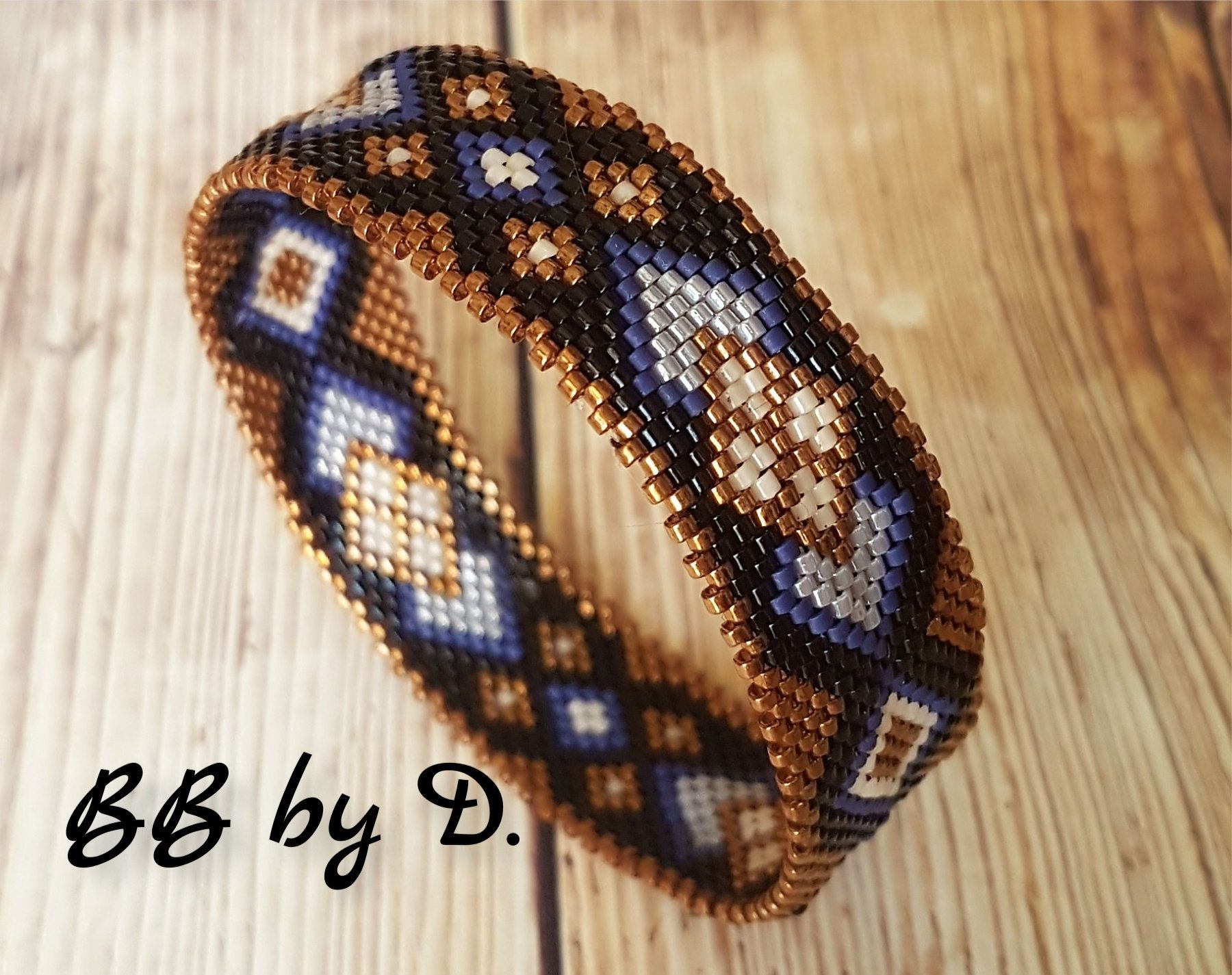 Bangle Miyuki bracelet, boho style, ethnic. Cuff woven into glass beads. Black, bronze, blue bracelet