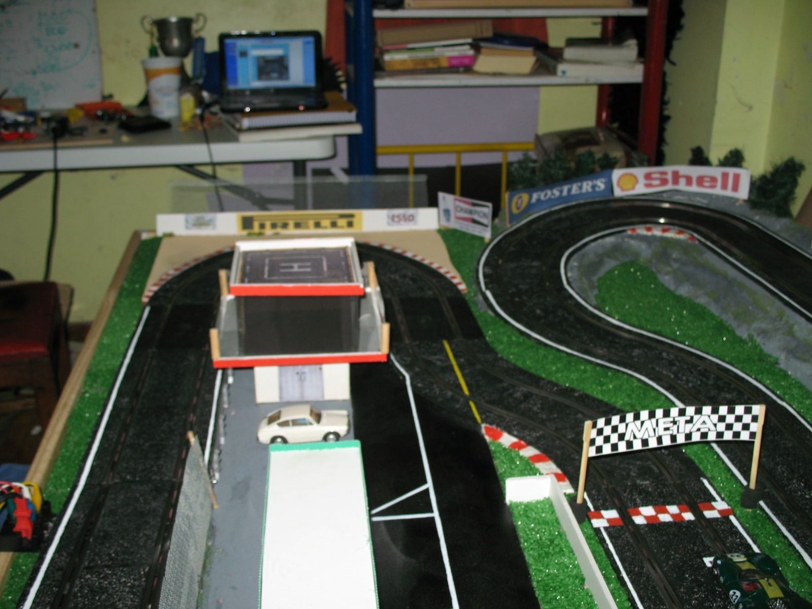 49661a99ce Resultado de imagen para como hacer pista de carreras | manualidades ...