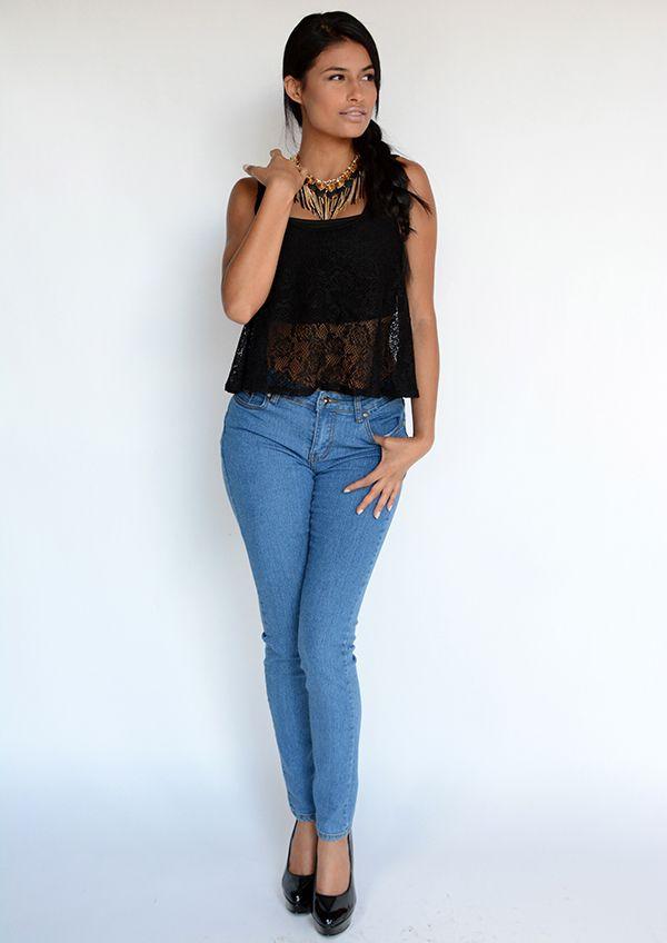 BLUSA BLACK ROSE | ATENEA BOUTIQUE