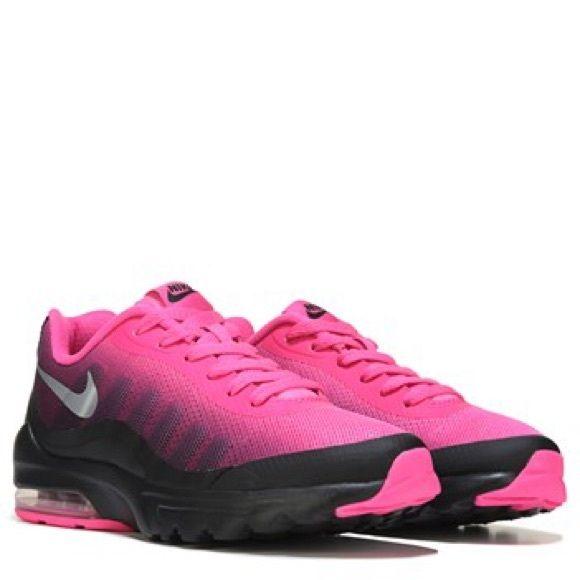 pink and black nike air max invigor