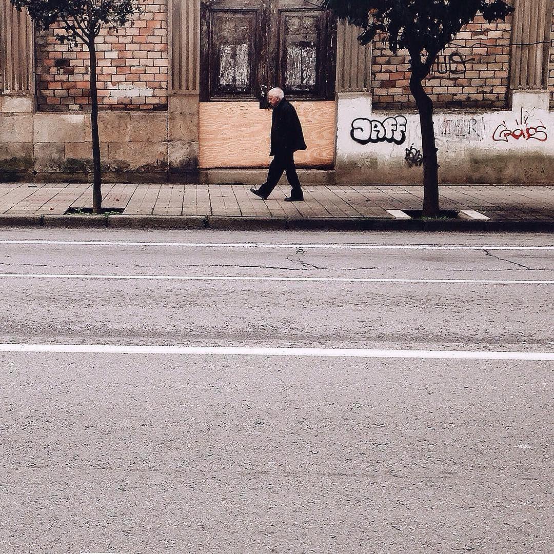 Walking around Vigo streets #rsa_vsco #tortugasinvigo #eyeem #lucecurated #rsa_minimal by sergiommonteiro
