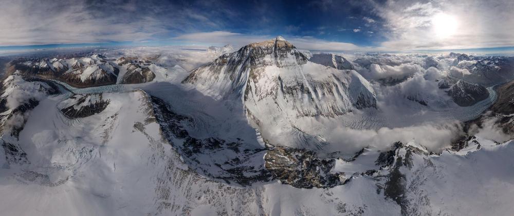 High-altitude drone captures rare view of Mount Everest in 2020   Mount  everest, Everest, National geographic adventure